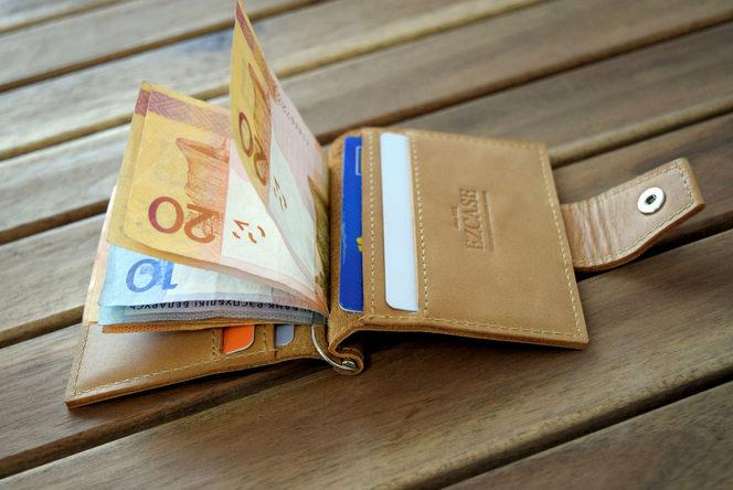 Зажим для денег песочный Mini с отделением для карт, купить от производителя.